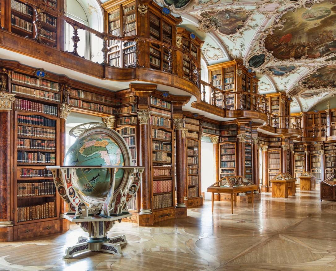 Bibliothèque de l'Abbaye de Saint-Gall (Saint-Gall) → Suisse